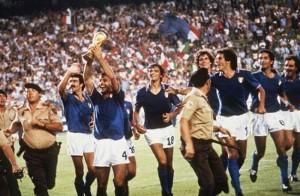Giro d'onore per l'Italia Campione del Mondo 1982